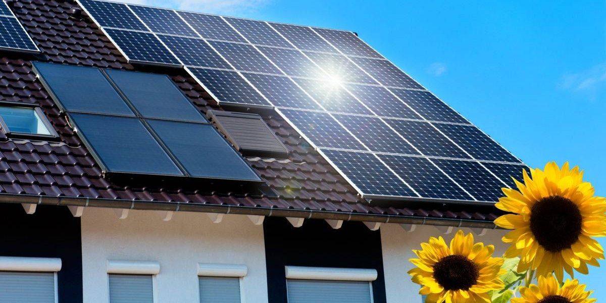 Haus mit Solarpanels